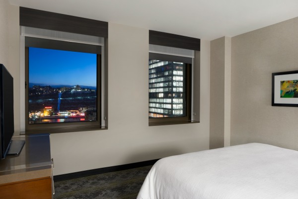 Embassy Suites by Hilton Pittsburgh Downtown 4 - 1 King 2 Room Suite - River View - 1109331.jpg