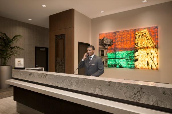 receptionist600x400