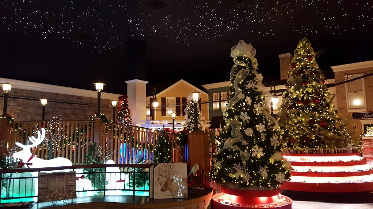 yankee candle store christmas section